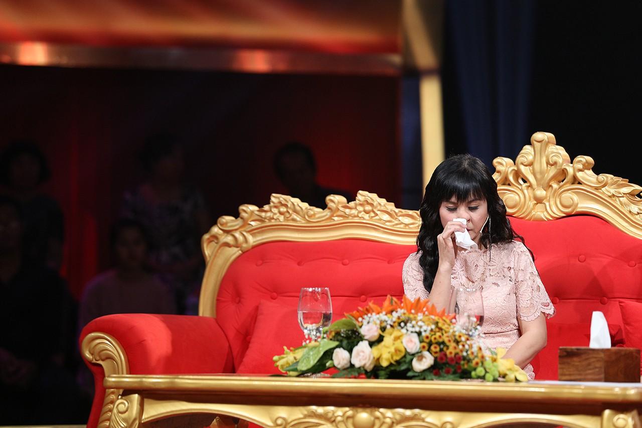 Cát Phượng nghẹn ngào: Cái sai của tôi là ly dị Thái Hòa! - Ảnh 1.