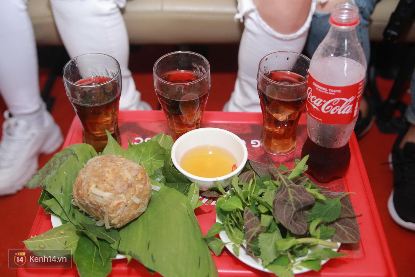 Đói Chưa Nhỉ: Theo chân 2 MC Bữa trưa vui vẻ tới quán phở nổi tiếng nhất Nam Định - Ảnh 2.