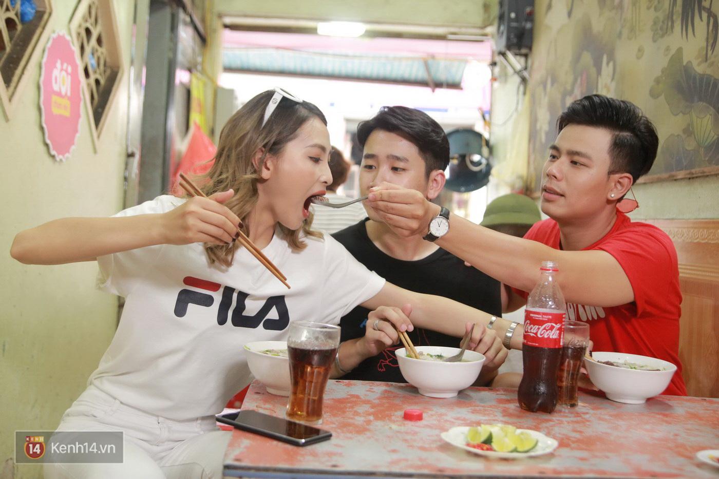 Đói Chưa Nhỉ: Theo chân 2 MC Bữa trưa vui vẻ tới quán phở nổi tiếng nhất Nam Định - Ảnh 7.
