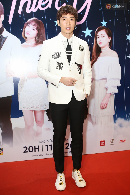 Trấn Thành không quan tâm đến kịch bản phim xuyên không do Hari Won tự sản xuất - Ảnh 8.