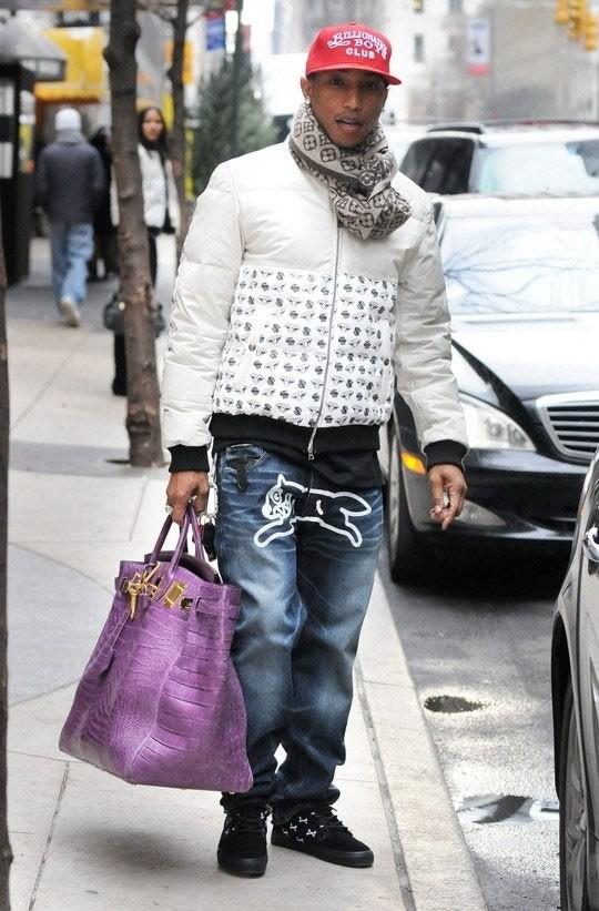 Mọi người cứ chú ý G-Dragon mà quên mất rằng, Hollywood cũng có một trai thẳng chuyên mặc đồ nữ - Ảnh 7.