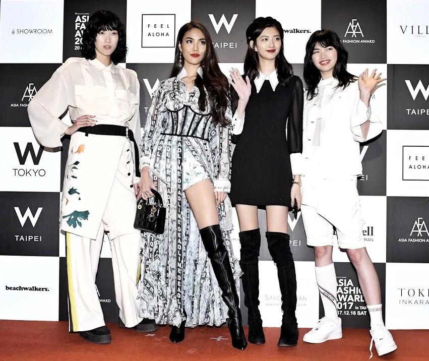 Mang thiết kế Công Trí đến thảm đỏ Asia Fashion Award, Lan Khuê còn nổi bật hơn cả CL - Ảnh 3.