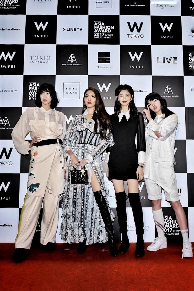 Mang thiết kế Công Trí đến thảm đỏ Asia Fashion Award, Lan Khuê còn nổi bật hơn cả CL - Ảnh 4.