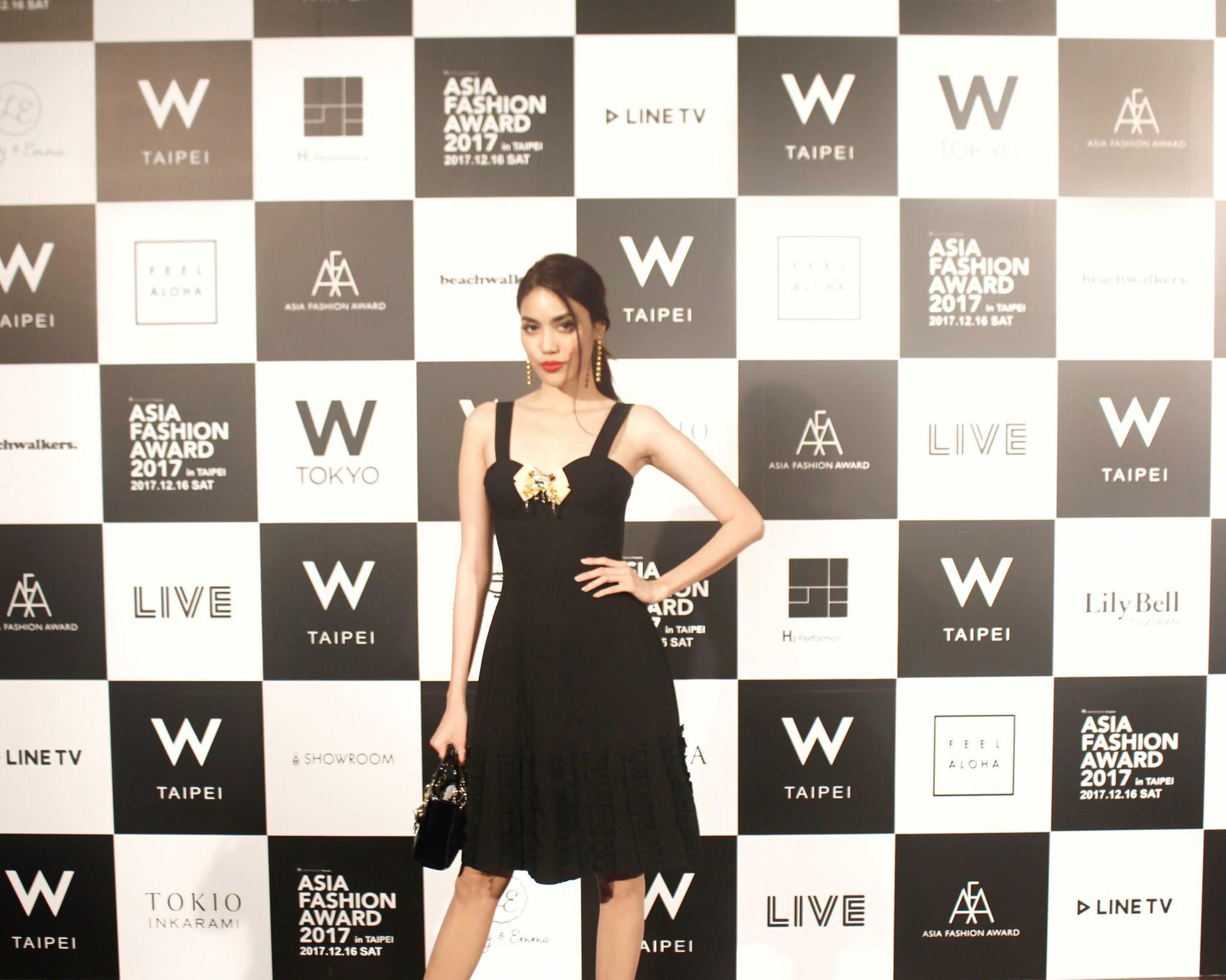 Mang thiết kế Công Trí đến thảm đỏ Asia Fashion Award, Lan Khuê còn nổi bật hơn cả CL - Ảnh 5.