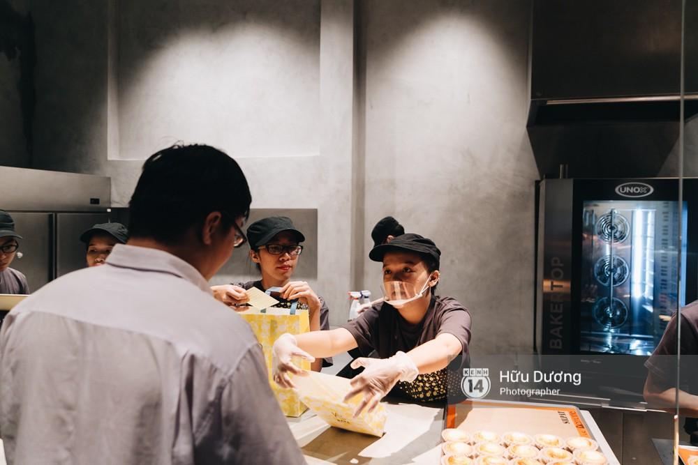 Gần 300k cho 6 chiếc bánh nhỏ, món tart phô mai đắt đỏ này đang khiến giới trẻ Sài Gòn siêu tò mò! - Ảnh 5.