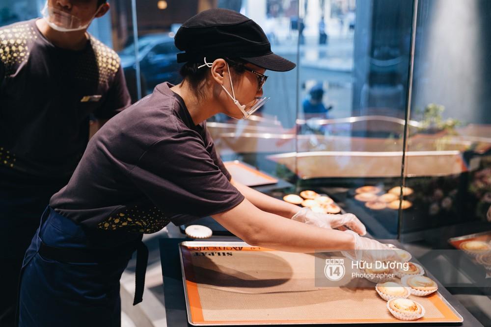 Gần 300k cho 6 chiếc bánh nhỏ, món tart phô mai đắt đỏ này đang khiến giới trẻ Sài Gòn siêu tò mò! - Ảnh 7.