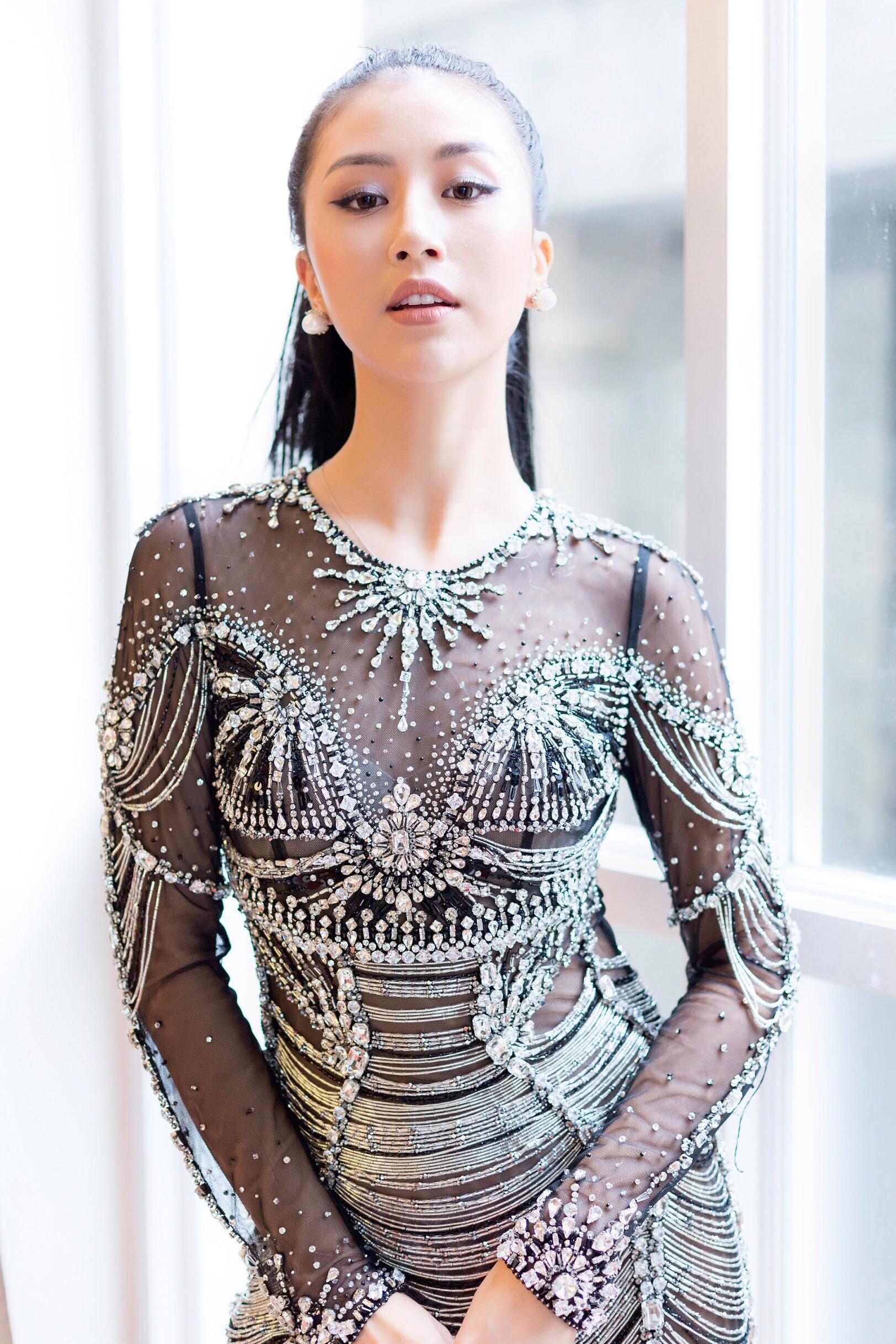 Váy sexy trưởng thành của Quỳnh Anh Shyn hóa ra được diva Thu Minh mặc từ 5 tháng trước - Ảnh 2.