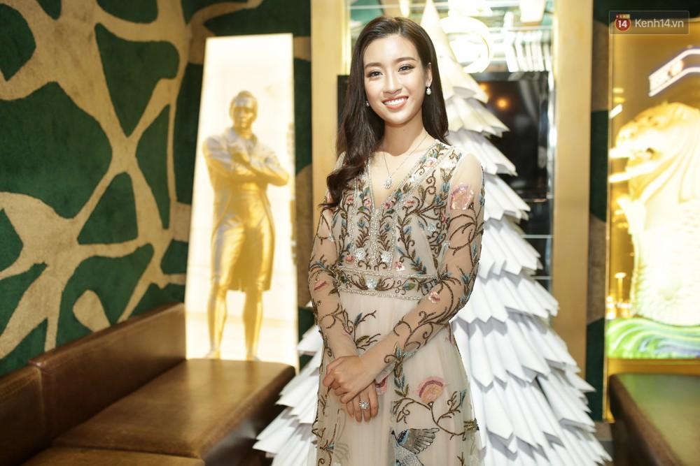 Đỗ Mỹ Linh nói về Miss World 2017: Đây không phải là cuộc thi nhan sắc vì các thí sinh toàn diện đồng phục đi giày bệt - Ảnh 4.