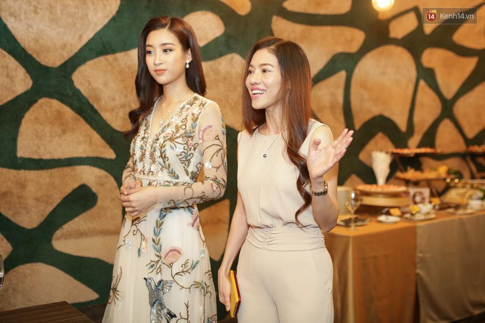 Đỗ Mỹ Linh nói về Miss World 2017: Đây không phải là cuộc thi nhan sắc vì các thí sinh toàn diện đồng phục đi giày bệt - Ảnh 1.