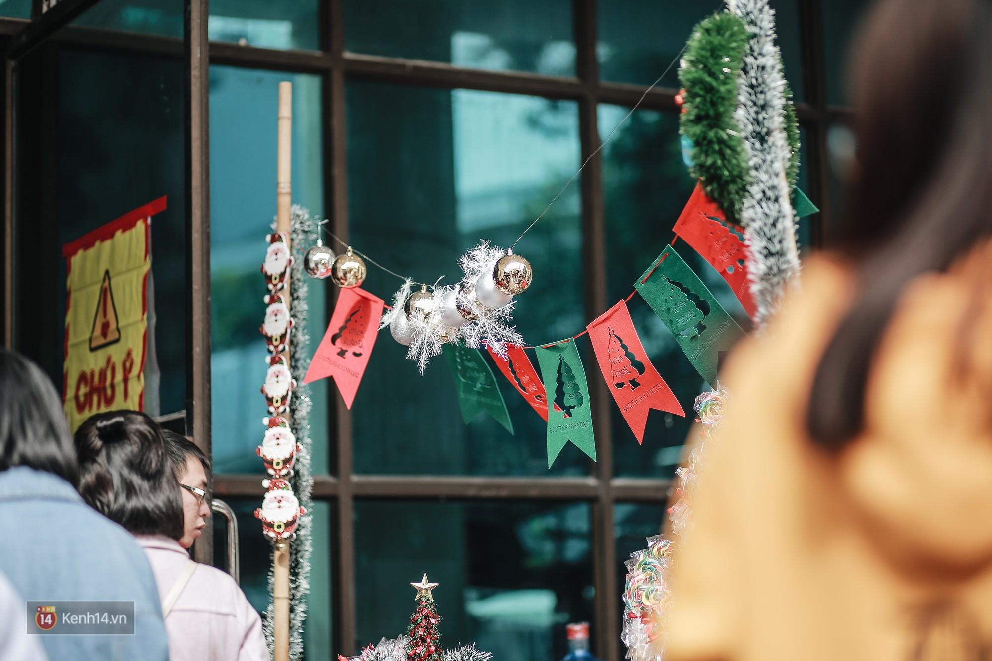 Giới trẻ Hà Nội ùn ùn kéo đến The New District chơi Noel sớm - Ảnh 18.