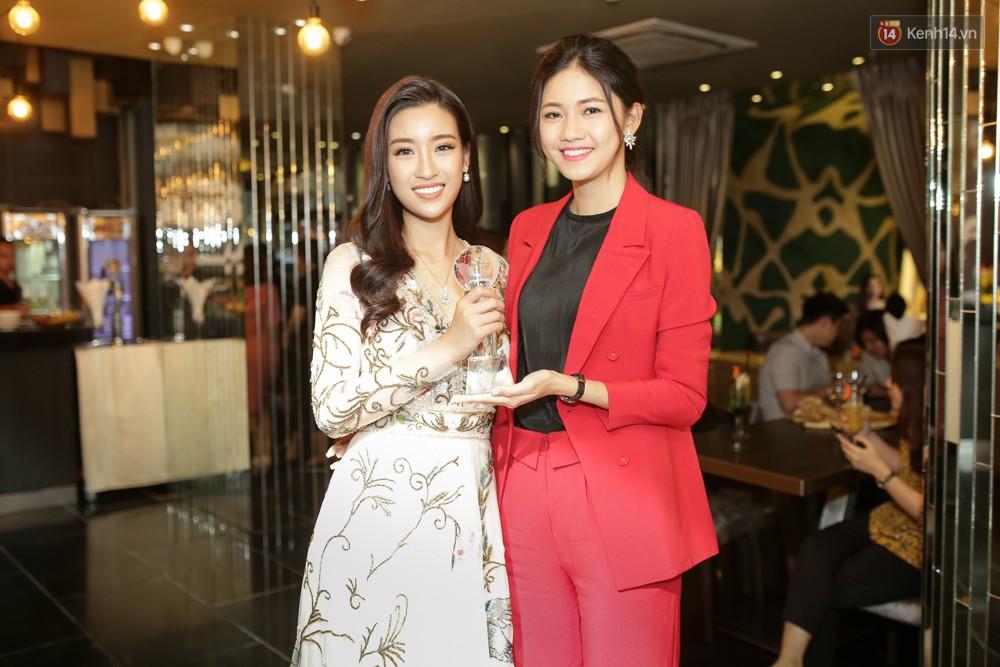 Đỗ Mỹ Linh nói về Miss World 2017: Đây không phải là cuộc thi nhan sắc vì các thí sinh toàn diện đồng phục đi giày bệt - Ảnh 6.