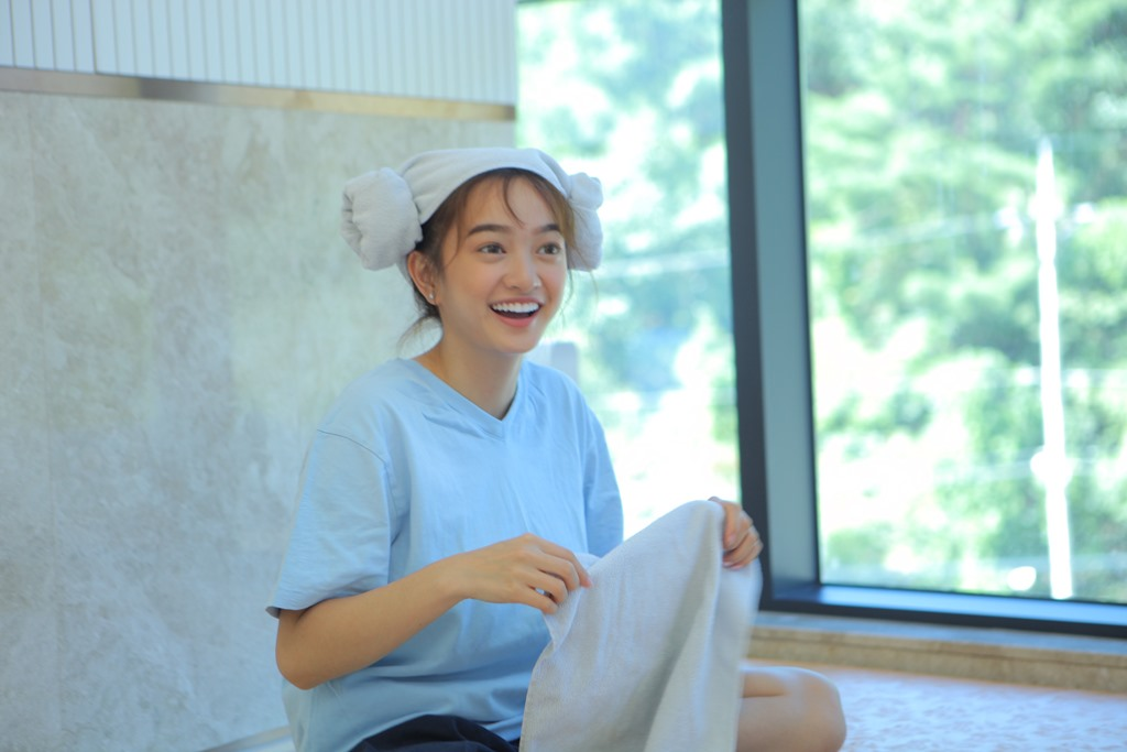 Kaity Nguyễn bất ngờ trở thành host loạt chương trình về làm đẹp, du lịch, ẩm thực tại Hàn Quốc - Ảnh 4.