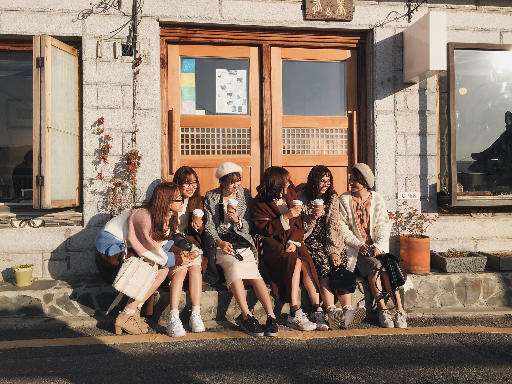 Ảnh đi Hàn tuyệt đẹp của An Toe: Du lịch nhóm, lên concept áo quần quan trọng như... mua vé máy bay! - Ảnh 8.