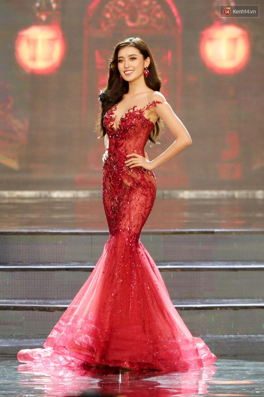 Khán giả bỏ về sau khi Huyền My trượt Top 5 tại Chung kết Miss Grand International 2017 - Ảnh 2.