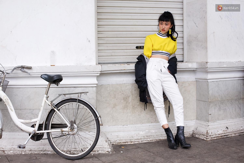 Street style 2 miền: Dù theo phong cách nữ tính hay cool ngầu, các bạn trẻ cũng mix đồ cực hay và diện toàn item trendy nhất - Ảnh 3.