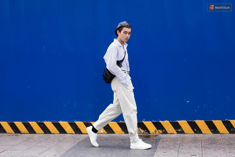 Street style 2 miền: Dù theo phong cách nữ tính hay cool ngầu, các bạn trẻ cũng mix đồ cực hay và diện toàn item trendy nhất - Ảnh 5.