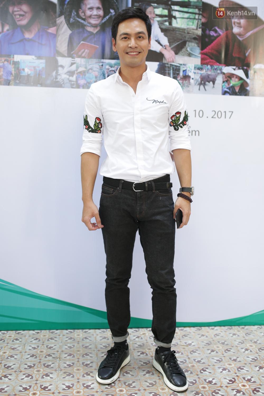 MC Phan Anh xuất hiện bảnh bao trong sự kiện.