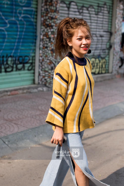 Street style 2 miền: biker jacket, màu đỏ và chân váy mini là 3 thần chú trong từ điển mix đồ của giới trẻ - Ảnh 16.