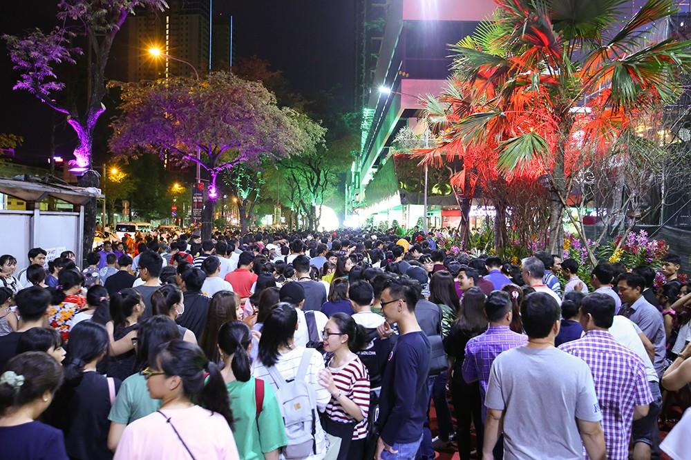 Thuận Kiều Plaza chính thức đổi tên thành The Garden Mall, hàng nghìn người Sài Gòn chen nhau vào khám phá trong ngày khai trương - Ảnh 9.