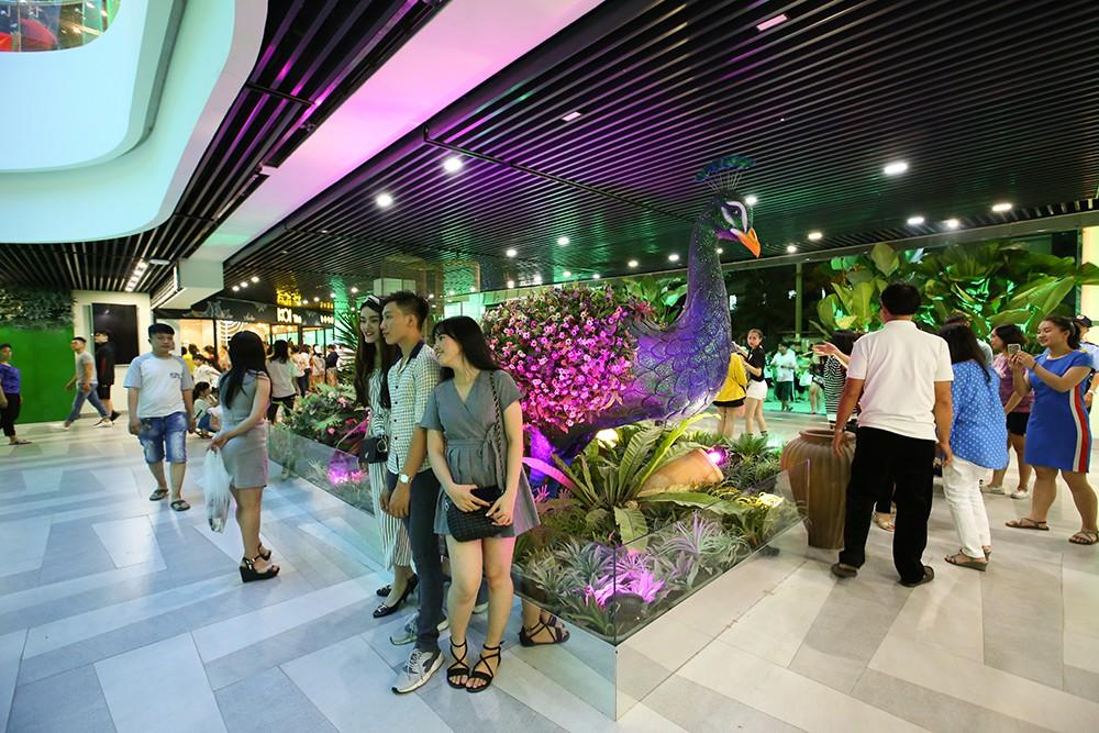 Thuận Kiều Plaza chính thức đổi tên thành The Garden Mall, hàng nghìn người Sài Gòn chen nhau vào khám phá trong ngày khai trương - Ảnh 14.