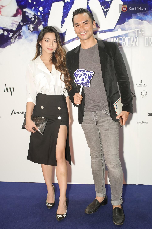 Bình Minh - Mai Thu Huyền diện áo dài trắng in tên phim mình đóng trong buổi ra mắt - Ảnh 10.