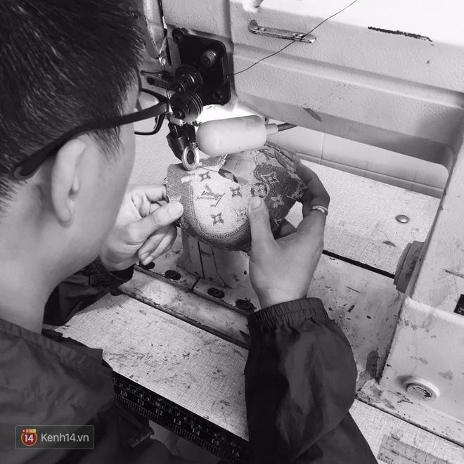 9x Việt độ giày từ đồ Louis Vuitton x Supreme hàng chục triệu đồng đang khiến giới chơi sneakers phát sốt - Ảnh 12.