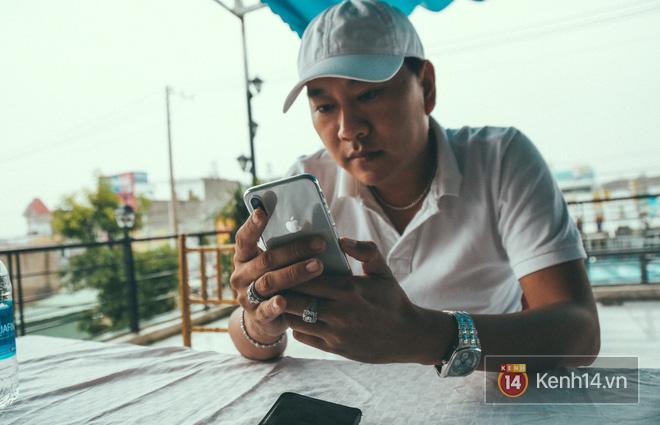 Bỏ 68 triệu mua iPhone X đầu tiên tại Việt Nam, bầu show Nguyễn Huy không dám cầm trên tay khi ra đường - Ảnh 5.