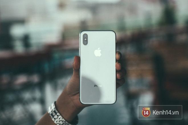 Bỏ 68 triệu mua iPhone X đầu tiên tại Việt Nam, bầu show Nguyễn Huy không dám cầm trên tay khi ra đường - Ảnh 3.