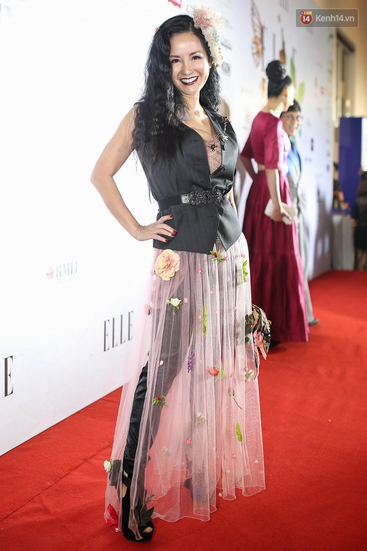 Quỳnh Anh Shyn lên đồ ấn tượng chẳng kém gì Phạm Hương, Minh Hằng trên thảm đỏ Elle Fashion Show - Ảnh 22.
