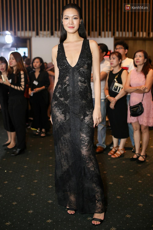 Quỳnh Anh Shyn lên đồ ấn tượng chẳng kém gì Phạm Hương, Minh Hằng trên thảm đỏ Elle Fashion Show - Ảnh 19.