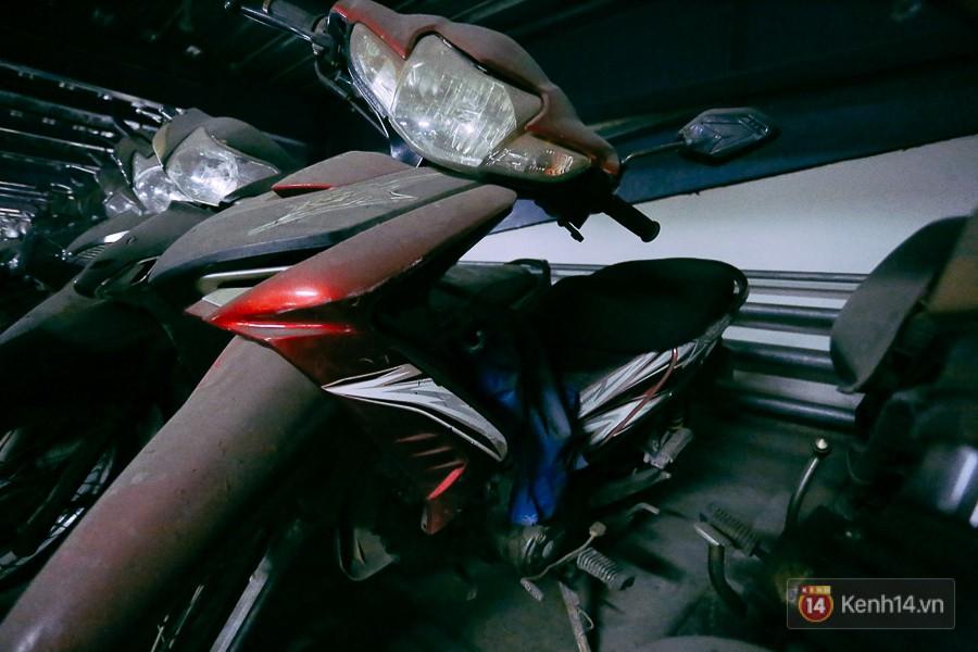Hàng trăm chiếc xe máy quá hạn vì gửi 2 năm không ai nhận, nhà xe sân bay Tân Sơn Nhất thiệt hại nửa tỉ đồng - Ảnh 11.