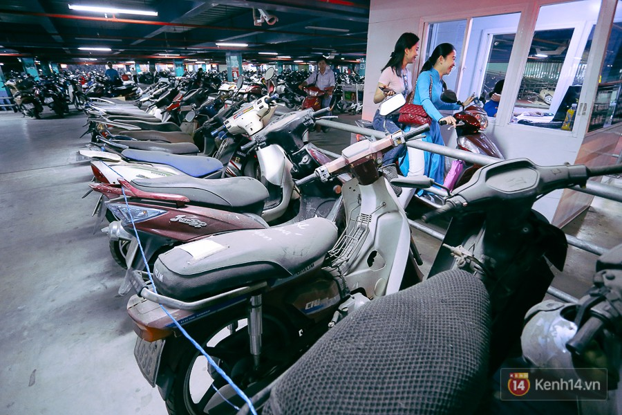 Hàng trăm chiếc xe máy quá hạn vì gửi 2 năm không ai nhận, nhà xe sân bay Tân Sơn Nhất thiệt hại nửa tỉ đồng - Ảnh 10.