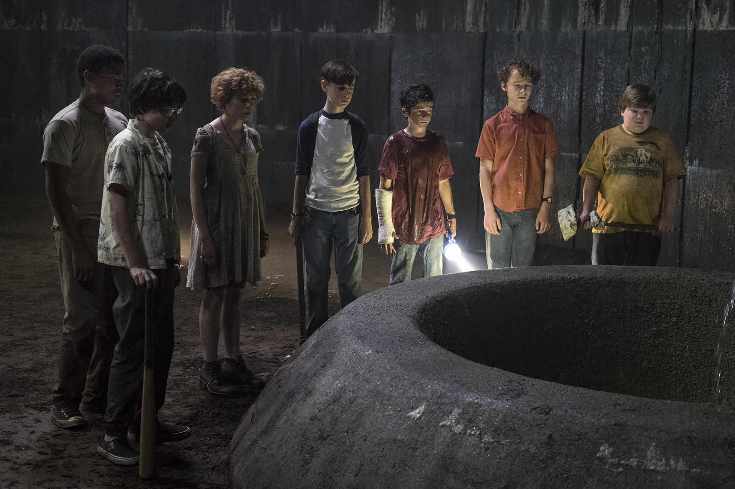 Gặp những đứa trẻ này trong phim thì đến ma quỷ cũng phải khóc thét! - Ảnh 1.