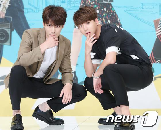 Jaejoong trở lại điển trai như hoàng tử, UEE diện váy rách hay cố tình? - Ảnh 13.