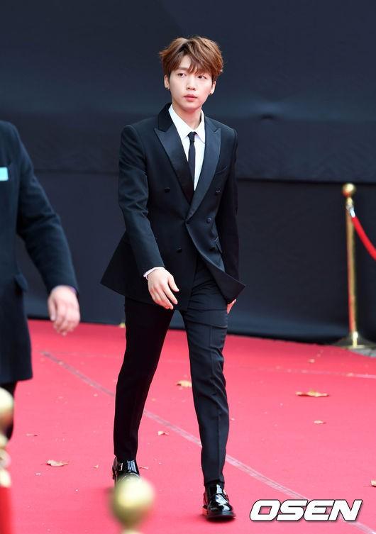 Asia Artist Awards bê cả showbiz lên thảm đỏ: Yoona, Suzy lép vế trước Park Min Young, hơn 100 sao Hàn lộng lẫy đổ bộ - Ảnh 59.
