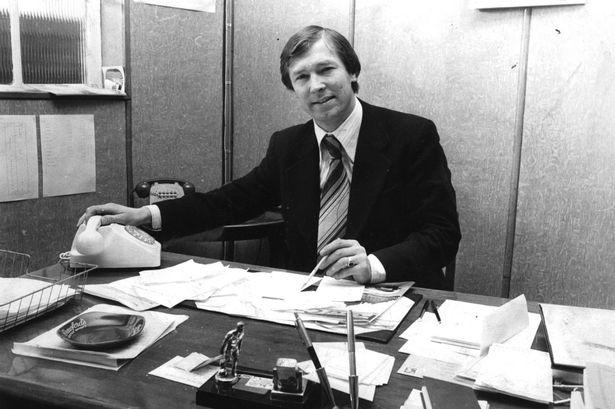 Chuyện chưa bao giờ kể về Sir Alex Ferguson: Mở quán nhậu, học bí kíp cầm quân - Ảnh 2.