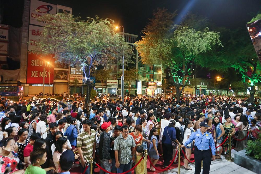 Thuận Kiều Plaza chính thức đổi tên thành The Garden Mall, hàng nghìn người Sài Gòn chen nhau vào khám phá trong ngày khai trương - Ảnh 5.
