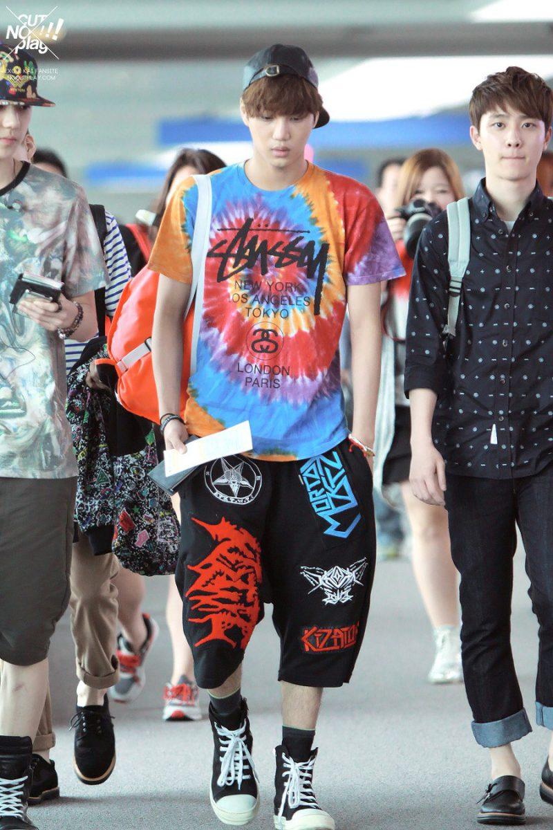 1001 kiểu thời trang sân bay dị như thể sợ không ai nhìn của các nam idol xứ Hàn - Ảnh 9.