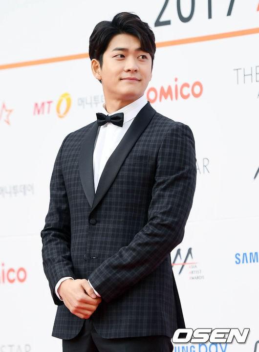 Asia Artist Awards bê cả showbiz lên thảm đỏ: Yoona, Suzy lép vế trước Park Min Young, hơn 100 sao Hàn lộng lẫy đổ bộ - Ảnh 63.