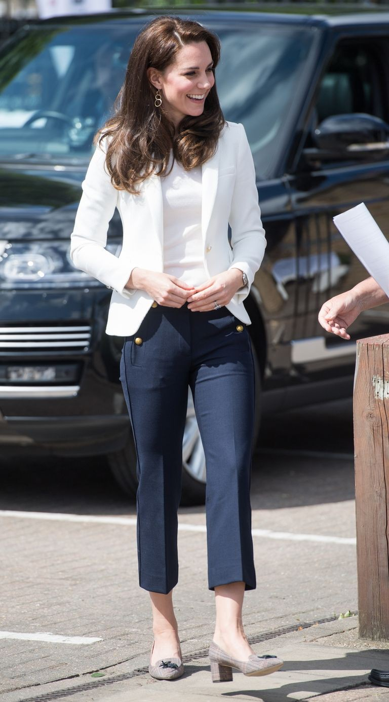 Bước 1 để mặc giống Công nương Kate Middleton: Đến ngay cửa hàng Zara - Ảnh 5.
