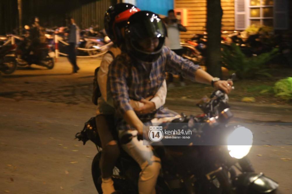 Clip: Kết thúc đám cưới, vợ chồng Khởi My - Kelvin Khánh cưỡi mô tô về nhà, ôm lấy nhau không rời - Ảnh 8.
