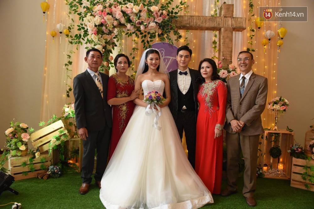Chúng Huyền Thanh - Jay Quân hôn nhau ngọt ngào trong lễ cưới, chính thức trở thành vợ chồng! - Ảnh 7.