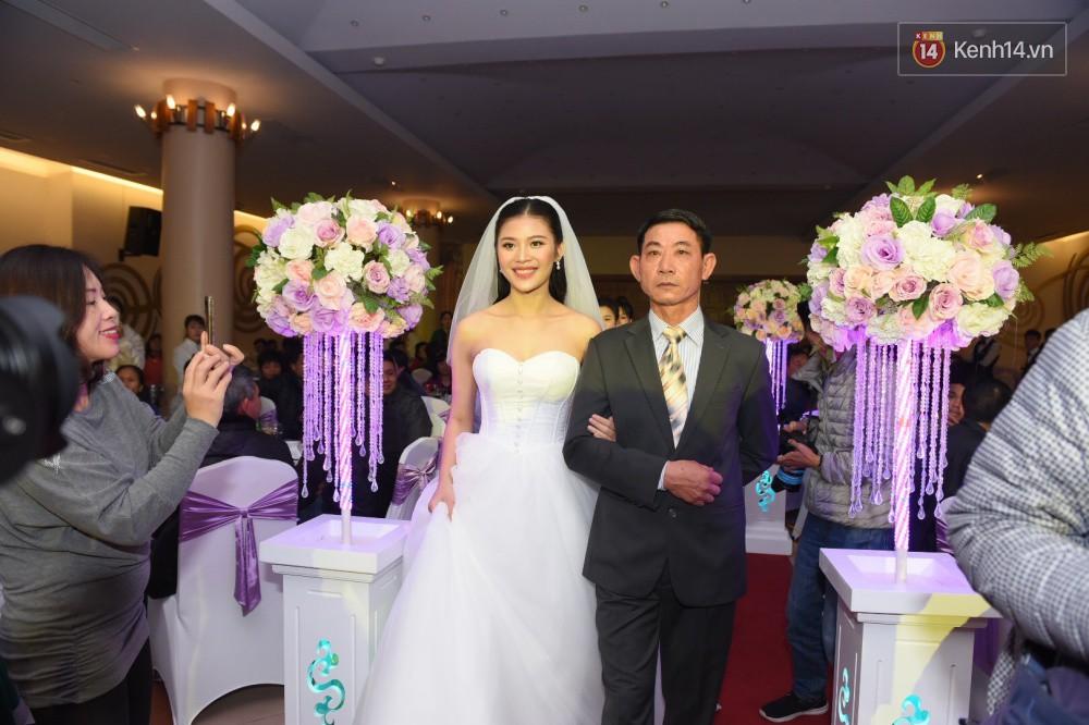 Chúng Huyền Thanh - Jay Quân hôn nhau ngọt ngào trong lễ cưới, chính thức trở thành vợ chồng! - Ảnh 8.