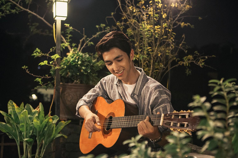 Quốc Thiên lần đầu bắt tay cùng Khắc Việt, tung bản ballad sầu não về tình yêu của cặp đôi đũa lệch - Ảnh 6.