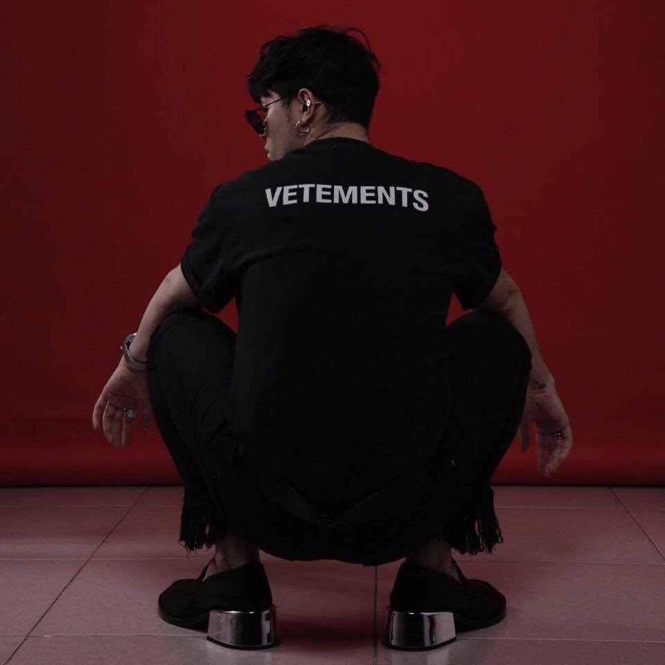 Công phá xong Gucci, Kelbin Lei lại tiếp tục chinh phục Instagram của Vetements - Ảnh 9.