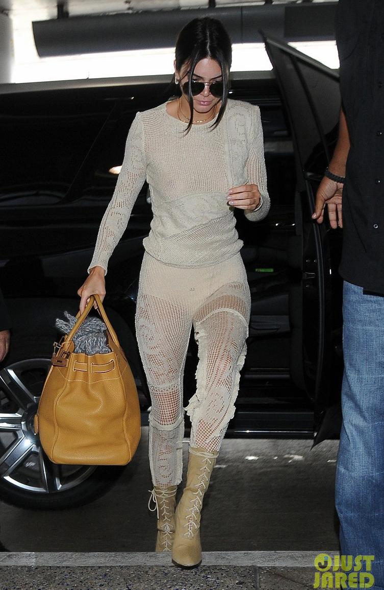 Street style mới của Kendall Jenner sẽ khiến bạn hoang mang về định nghĩa một cái quần - Ảnh 4.