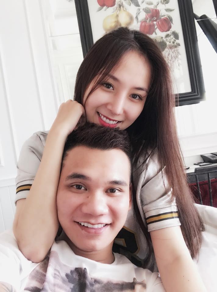 Khắc Việt sắp lấy vợ vào cuối năm với bạn gái xinh như hot girl - Ảnh 1.