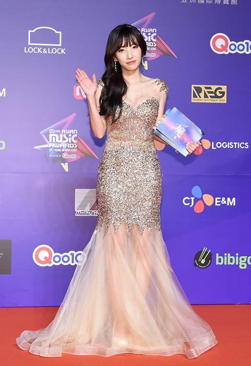 Cập nhật thảm đỏ MAMA Hồng Kông: Kim Yoo Jung chiếm trọn sự chú ý, em út Red Velvet hở bạo - Ảnh 20.