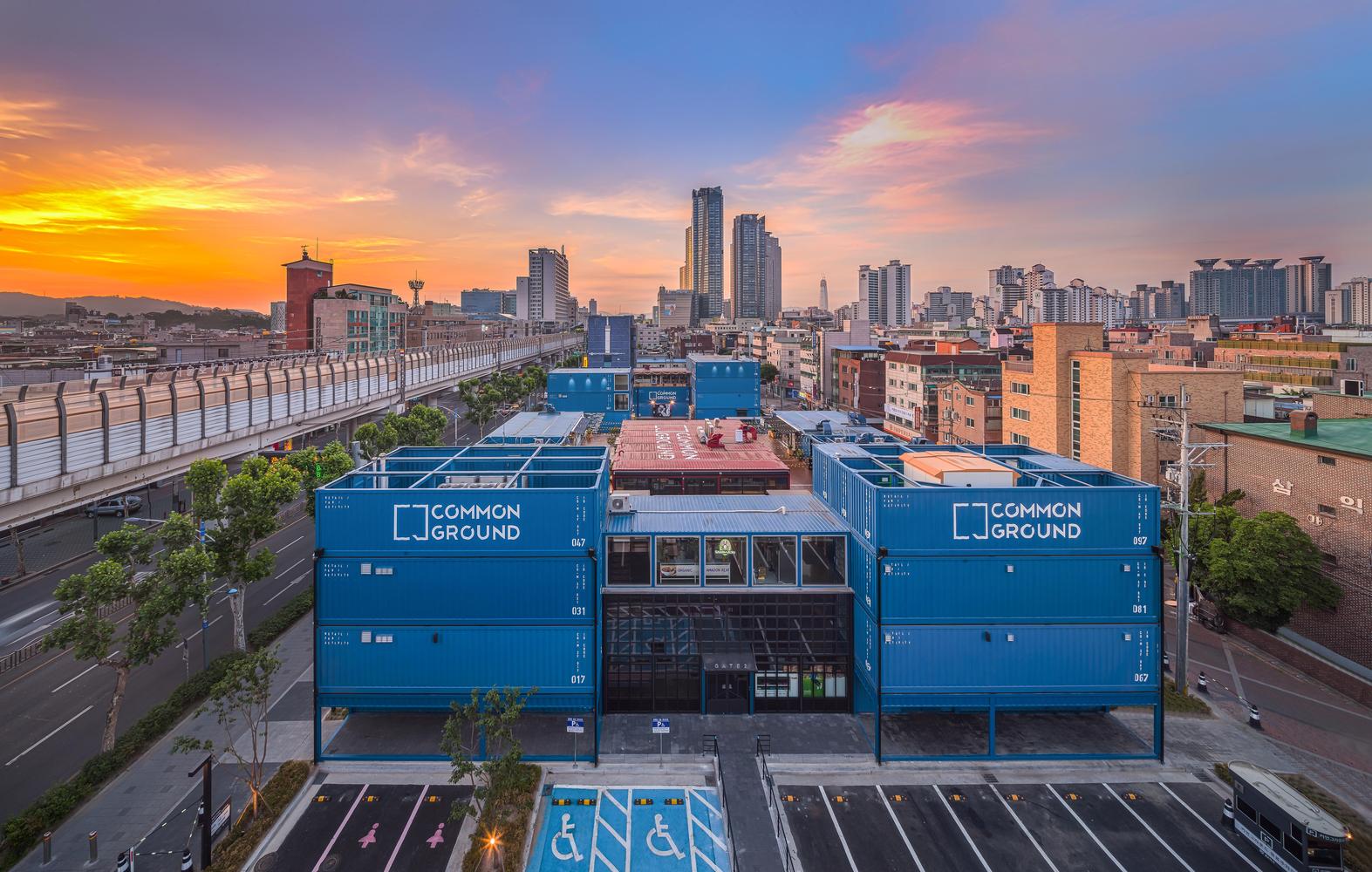 Common Ground - khu concept mall làm từ container siêu chất của giới trẻ Seoul - Ảnh 4.