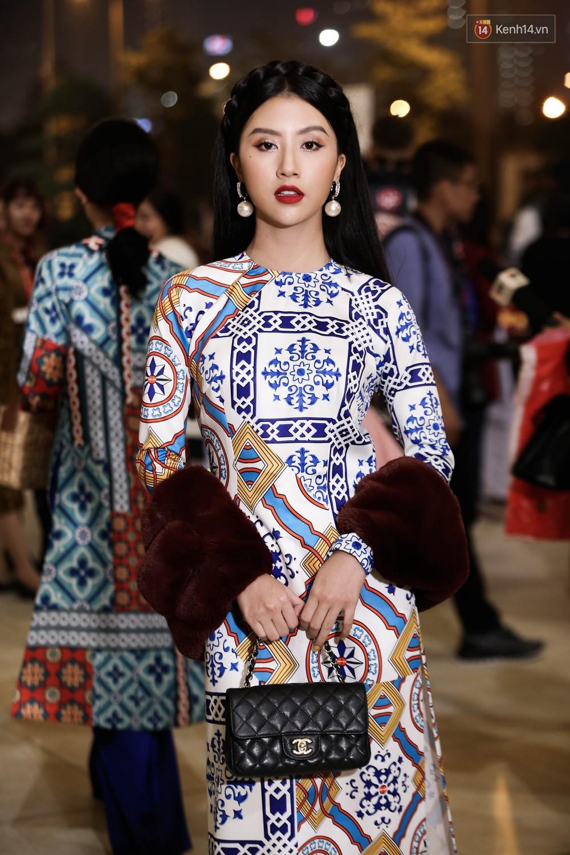 Nhìn ảnh Quỳnh Anh Shyn - Salim - Châu Bùi phải gật gù ngay: Con gái Việt mặc áo dài là đẹp nhất! - Ảnh 1.